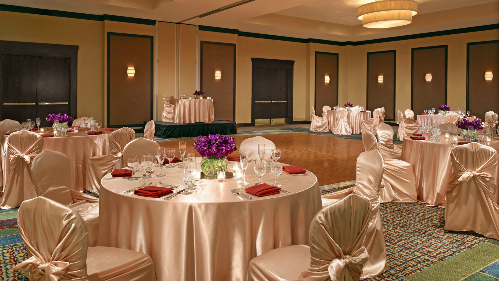 Cerritos Meeting Space - Crystal Ballroom