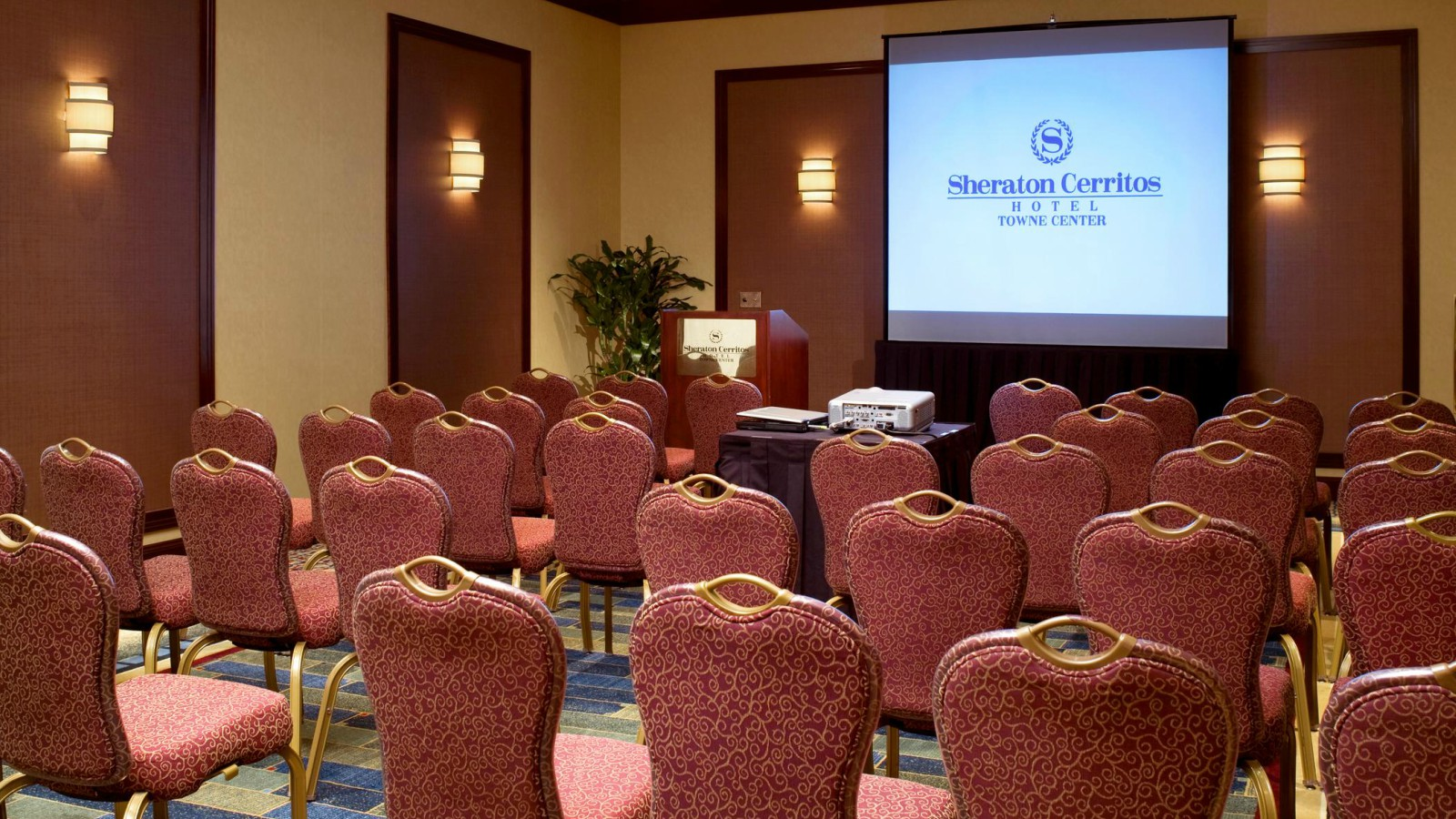 Cerritos Meeting Space - Emerald Room